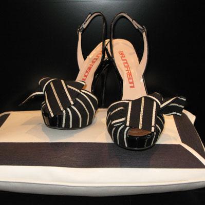 Coniugare calzature e arredamento? Con Dedar e Frisoni si può