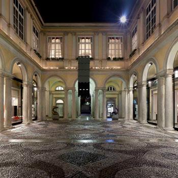 Un'intera piazza a Bergamo per Bulthaup