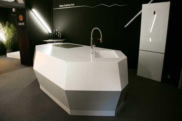 Okite al Salone con i piani cucina in quarzo – Pambianco Design