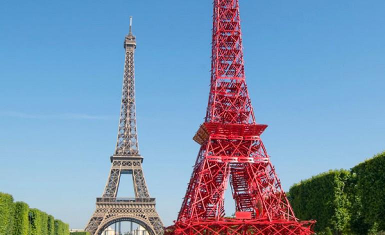 A Parigi la Tour Eiffel 'Bistro'