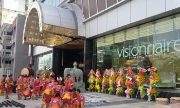 Visionnaire apre in Vietnam