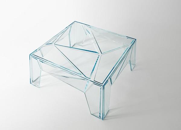 Bellini eleva la luce al cubo per Glas Italia