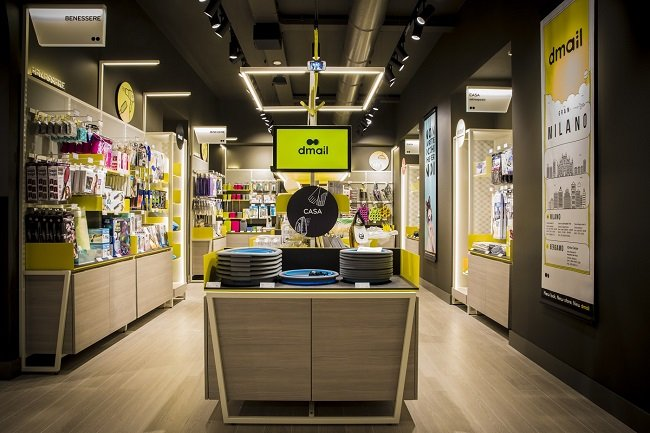 Dmail, 3° store a Milano
