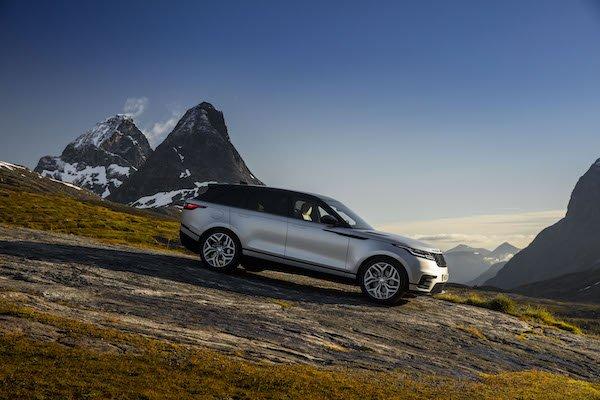 Land Rover a vele spiegate con Velar