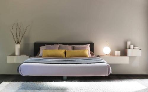 Letto Sospeso In Aria : Lago sfida la forza di gravità con il letto che fluttua