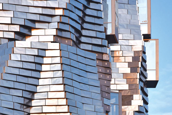 Prende forma la torre Luma di Frank Gehry