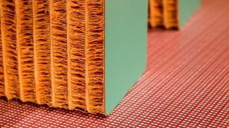 AbetLaminati si ispira a tessuti e stampa digitale