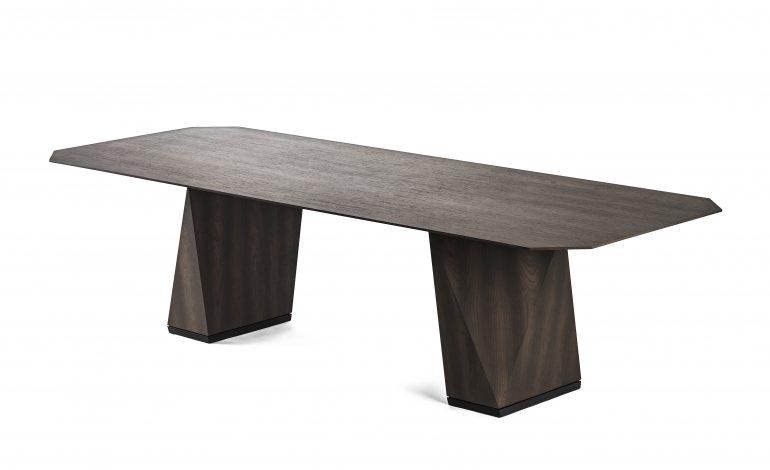 Rubelli Casa arricchisce dining table e poltrone tessili