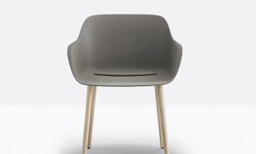 'Recycled grey', il design sostenibile di Pedrali