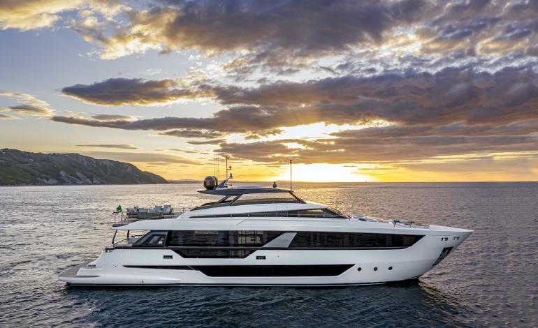 Ferretti Yachts presenta la sua più grande ammiraglia