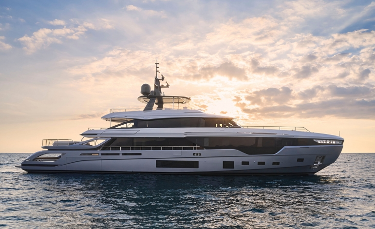 Azimut Yachts entra nel mondo dei trideck